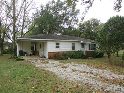 Pontotoc Single Family Home For Sale: 409 W Oxford St.
