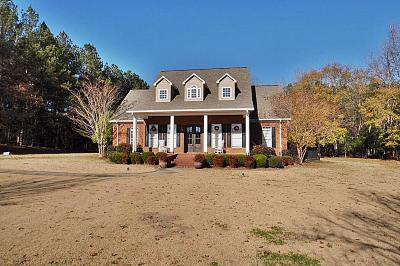 Single Family Home For Sale: 104 Golden Hills Road