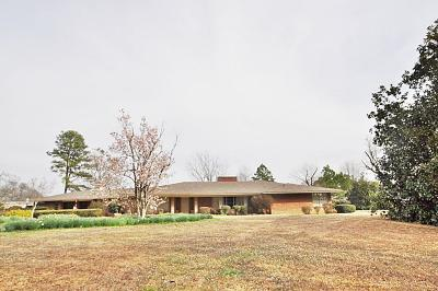 Lee County Single Family Home For Sale: 3376 Springlake Dr.