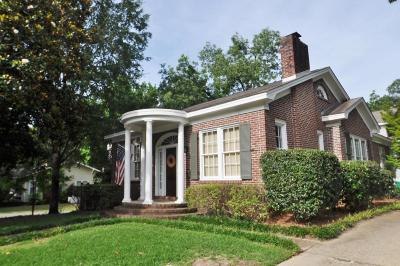 Lee County Single Family Home For Sale: 634 Highland County Road .