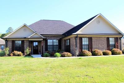 Lee County Single Family Home For Sale: 100 Sandpiper Cv.