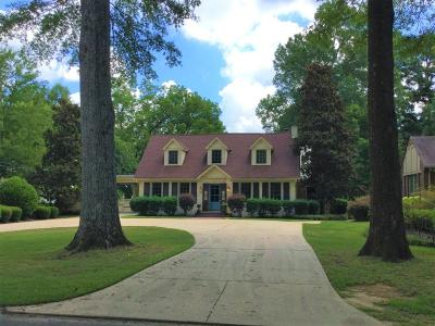 Tupelo Single Family Home For Sale: 704 N Madison St.