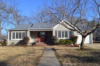 Pontotoc Single Family Home For Sale: 156 N Montgomery St.