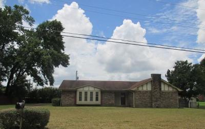 Single Family Home For Sale: 1207 Queensgate Dr.