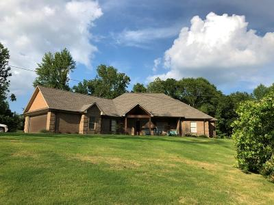Lee County Single Family Home For Sale: 172 A County Road 1349