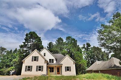 Lee County Single Family Home For Sale: 6092 Butler Road