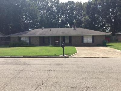 Tupelo MS Single Family Home For Sale: $122,000