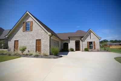 Tupelo Single Family Home For Sale: 111 Acadian (Lot 33) Cr.,