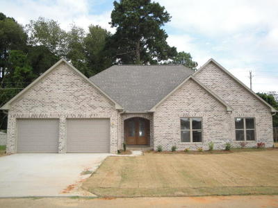 Single Family Home For Sale: 175 County Road Eekwood County Road .