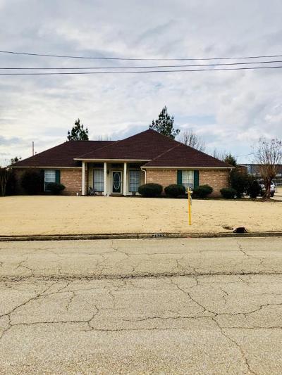 Tupelo Single Family Home For Sale: 2615 Mahogany Dr.