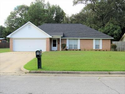 Single Family Home For Sale: 2292 Camelot County Road .