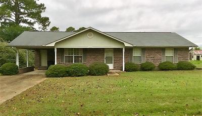 Single Family Home For Sale: 112 Bradford Ave.