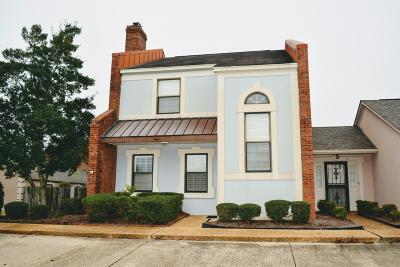 Single Family Home For Sale: 12 Oxford Square