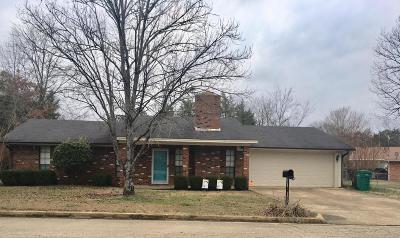 Tupelo Single Family Home For Sale: 2302 Hickory Dr.