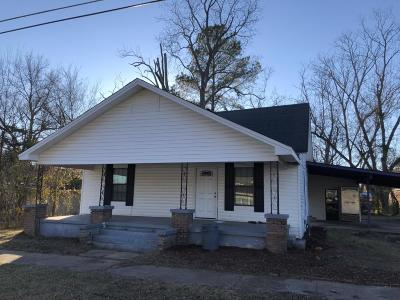 Single Family Home For Sale: 605 N 5th St.