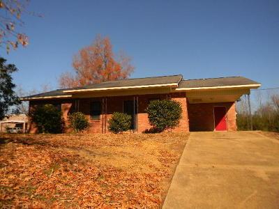 Marshall County, Benton County, Tippah County, Alcorn County, Prentiss County, Tishomingo County Single Family Home For Sale: 13 Robbins St.