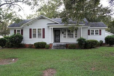 Single Family Home For Sale: 404 S 8th St.