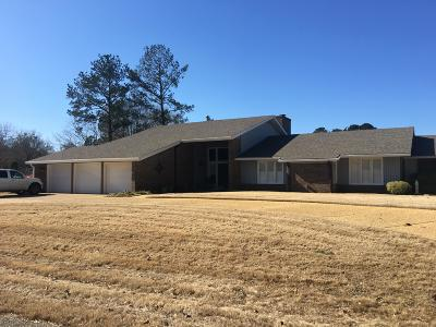 Single Family Home For Sale: 2514 St Andrews Dr.