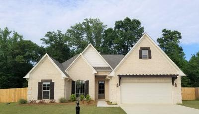 Single Family Home For Sale: 130 Belle Meade