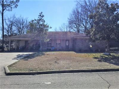 Tupelo Single Family Home For Sale: 2303 Evergreen St.