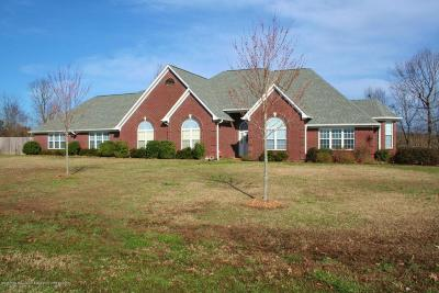 Tate County Single Family Home For Sale: 75 Golden Pond