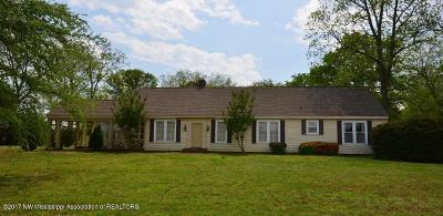 Walls Single Family Home For Sale: 10371 Old Hwy 61