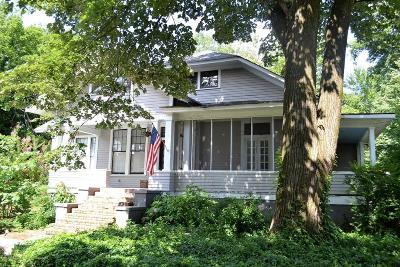Holly Springs Single Family Home For Sale: 160 N Walthall Street