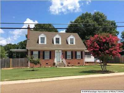 Tate County Single Family Home For Sale: 470 Central Avenue