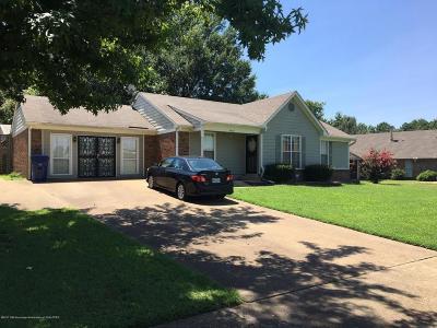 Horn Lake Single Family Home For Sale: 6825 Riverdale Road