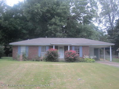 Horn Lake Single Family Home For Sale: 5722 Laurie Drive