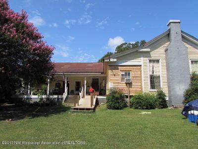 Olive Branch Single Family Home For Sale: 6053 Barton Desoto