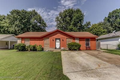 Horn Lake MS Single Family Home For Sale: $85,000