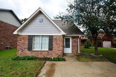 Olive Branch Single Family Home For Sale: 9932 Maury Cove