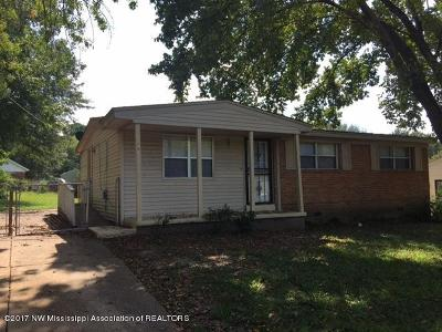 Southaven Single Family Home For Sale: 1669 Whitehead Drive