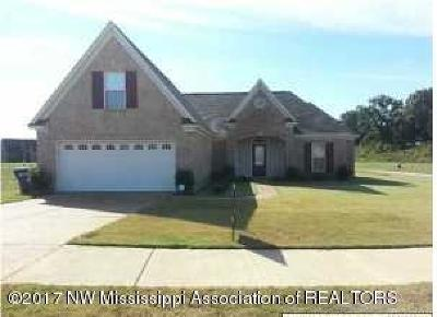 Horn Lake Single Family Home For Sale: 4955 Port Nicole Drive