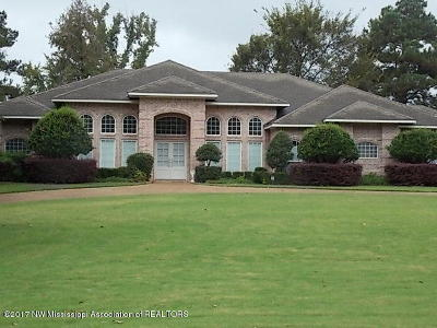 Olive Branch Single Family Home For Sale: 8396 Belmor Lakes Drive