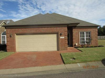 Desoto County Single Family Home For Sale: 1330 N Arbor Lake Drive