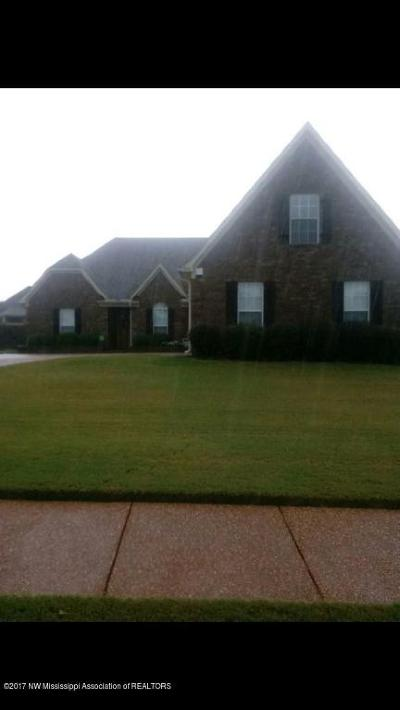 Desoto County Single Family Home For Sale: 1874 Manor Pl Drive