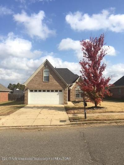 Olive Branch Single Family Home For Sale: 7196 Maple Grove Road