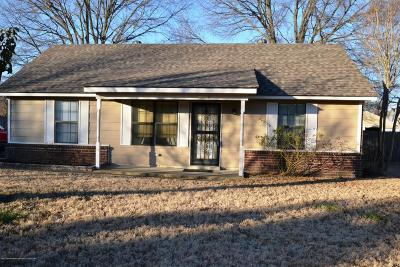 Olive Branch Single Family Home For Sale: 10254 Yates