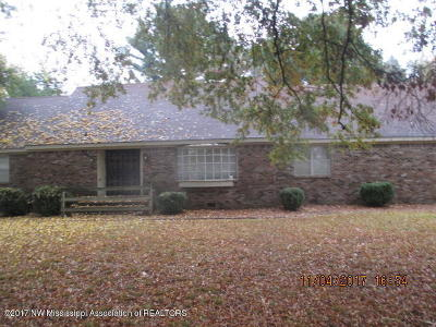 Olive Branch Single Family Home For Sale: 5924 Pleasant Hill
