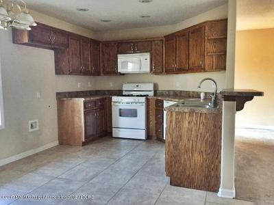 Holly Springs Single Family Home For Sale: 295 Beverly Lane