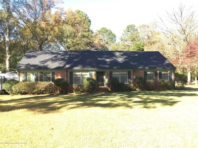 Tate County Single Family Home For Sale: 821 Strayhorn