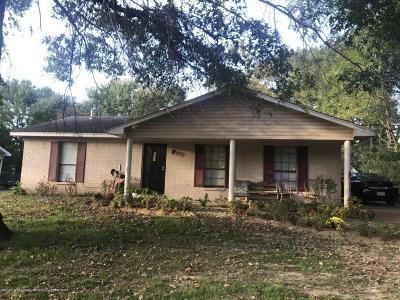 Horn Lake Single Family Home For Sale: 5210 Woody Dr