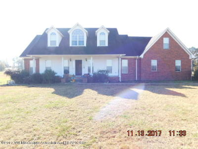 Tate County Single Family Home For Sale: 544 Yellow Dog Road