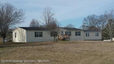 Tate County Single Family Home For Sale: 4054 Looxahoma Circle