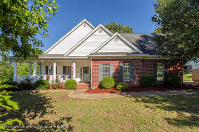 Olive Branch Single Family Home For Sale: 3685 Cypress Plantation