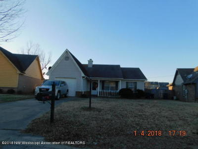 Horn Lake Single Family Home For Sale: 7061 Foxhall