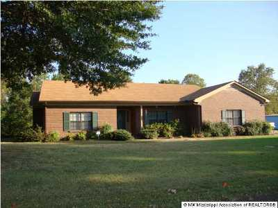 Tate County Single Family Home For Sale: 184 Pamela Drive