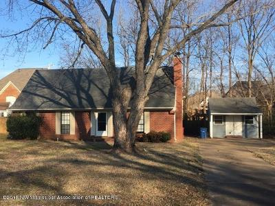 Olive Branch Single Family Home For Sale: 5832 Lee's Crossing